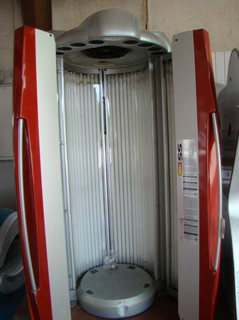 photo of ETS Sunscape 756v in red color with open door